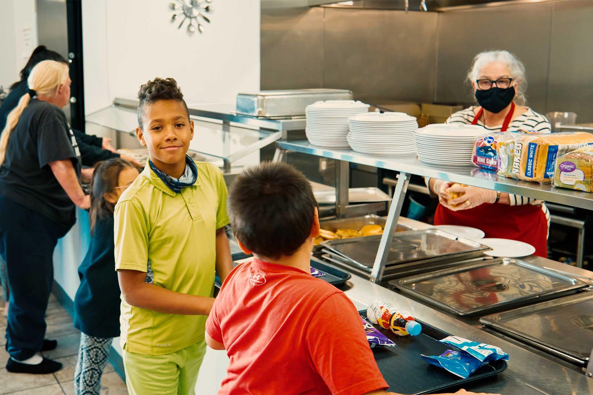 kids feeding homeless shelter